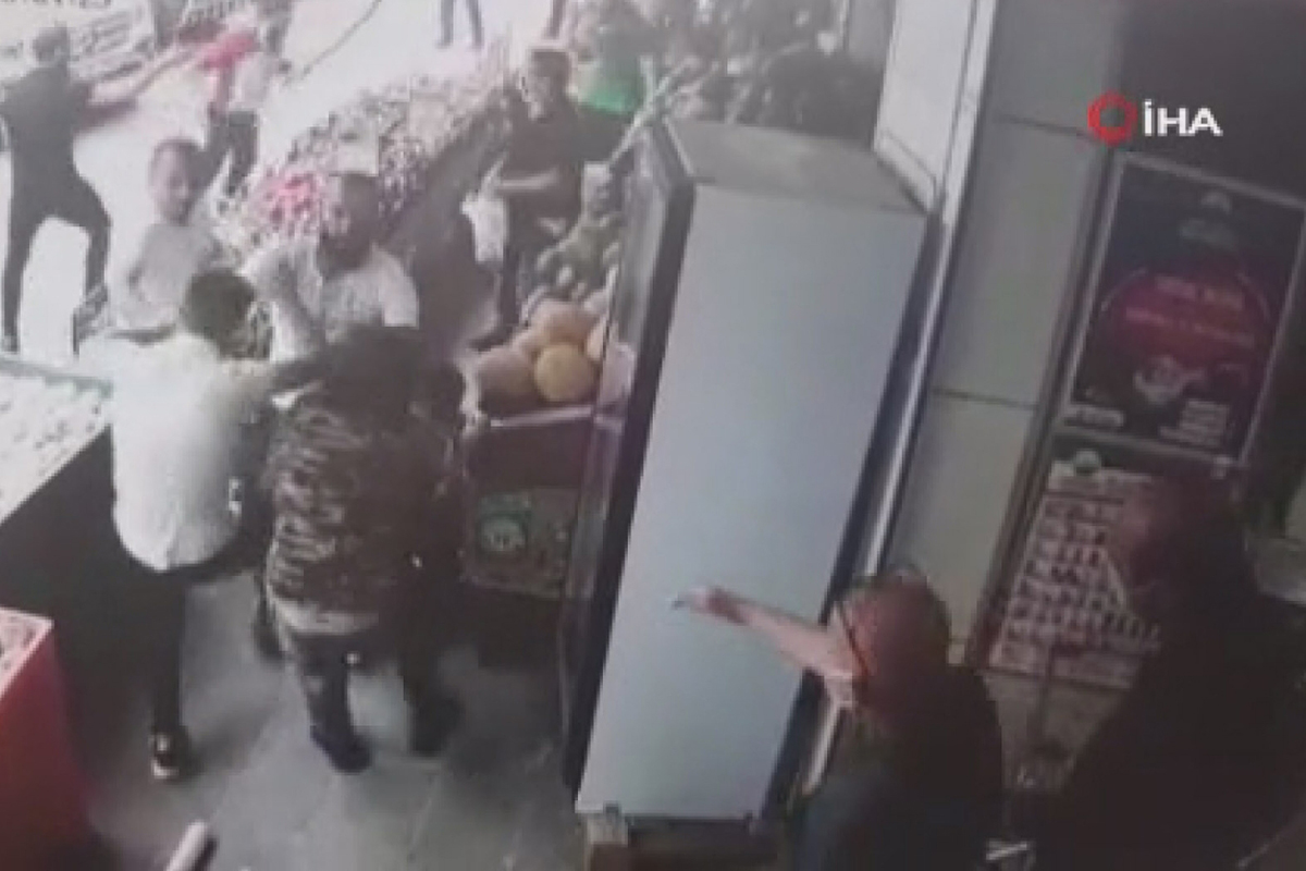 Esenyurt'ta manav sahibini 'soğan' ile döven şahıslar yakalandı