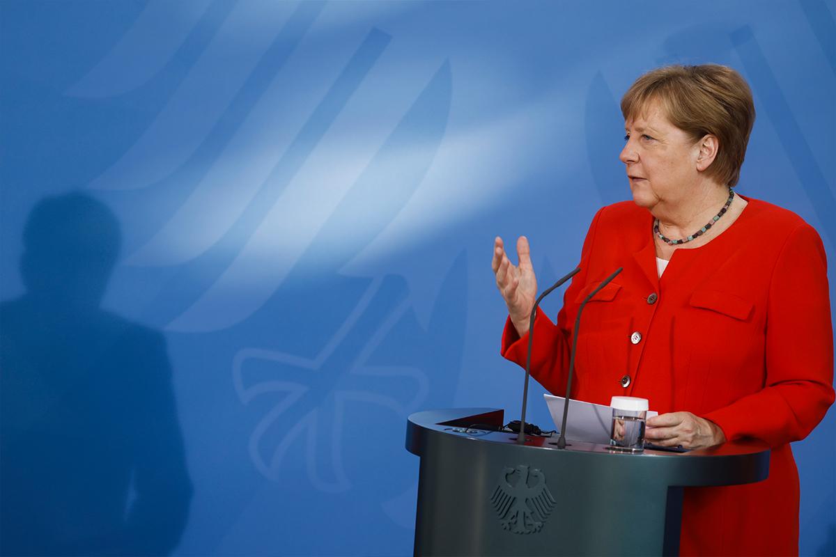Merkel: 'Belirli konuları birlikte şekillendirmek istiyorsak birbirimize bağımlıyız'
