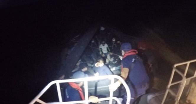 Datça açıklarında 19 düzensiz göçmen kurtarıldı