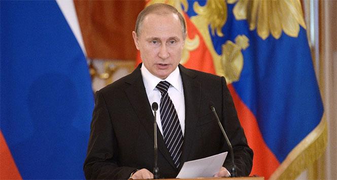 Putin, İranda cumhurbaşkanlığı seçimini kazanan Reisiye tebrik