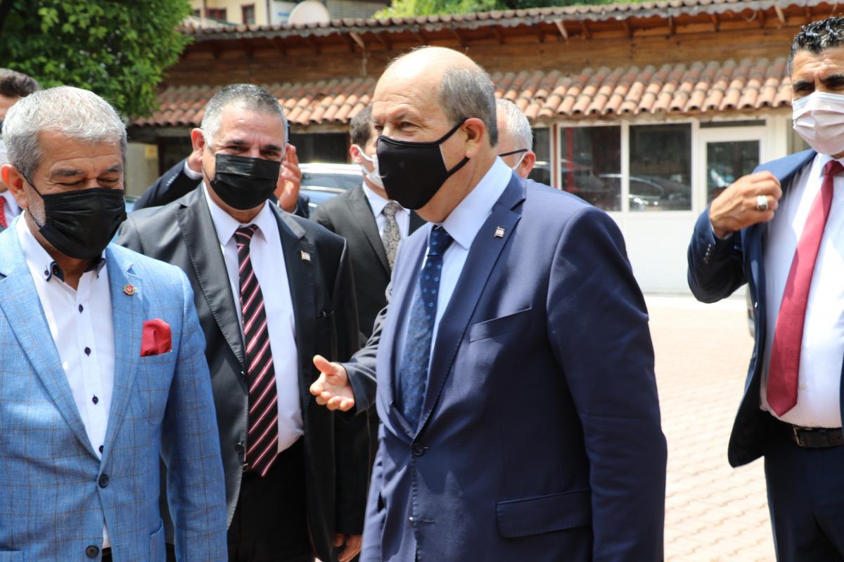 KKTC Cumhurbaşkanı Tatar: 'Türkiye ile bağımızın koparılmasına asla müsaade etmeyiz'