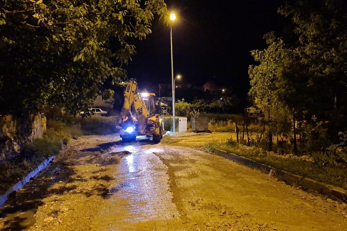 Emet'te sağanak yağış sele neden oldu