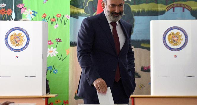 Ermenistanda Paşinyanın partisi tek başına hükümet kurabilecek