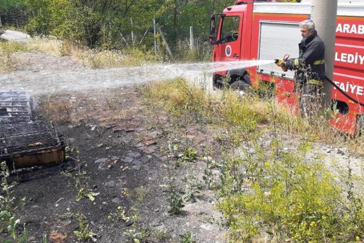 Koltuktan çıkan yangın ormana sıçramadan söndürüldü
