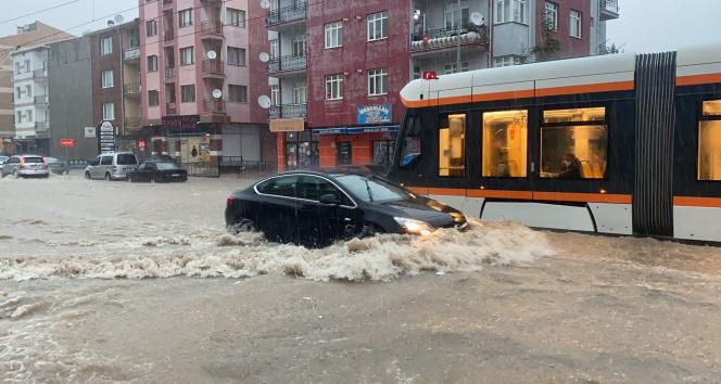 Eskişehirde şiddetli yağış