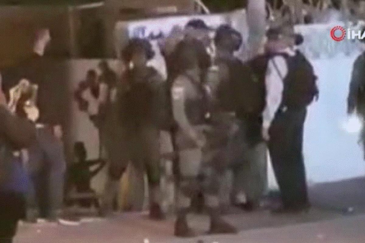 Yahudi yerleşimciler Şeyh Cerrah sakinlerine saldırdı: 2 yaralı
