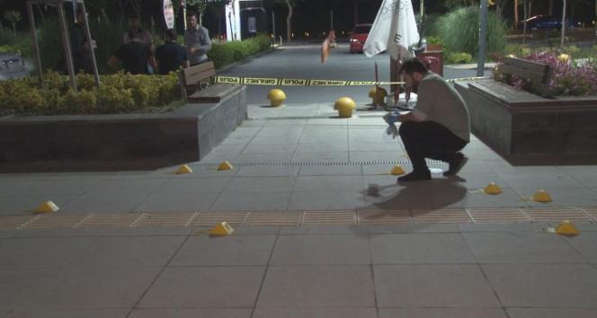 Başakşehirde silahlı bir grup, restoranı kurşun yağdırdı: 1 yaralı