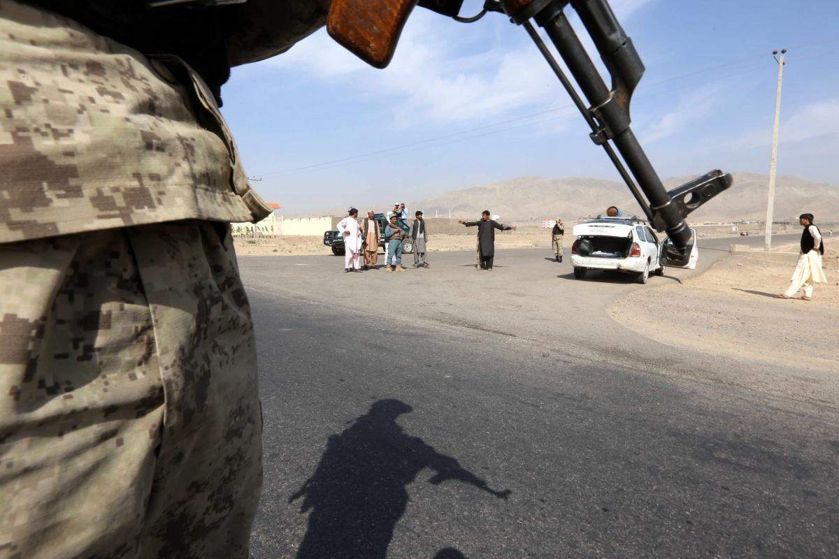 Afganistan-Tacikistan arasındaki sınır kapısı Taliban'ın kontrolüne geçti