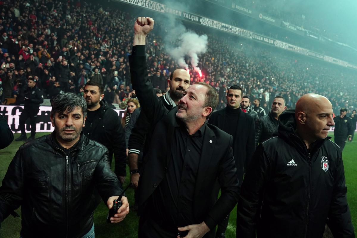 Beşiktaş'ta Sergen Yalçın dönemi devam ediyor