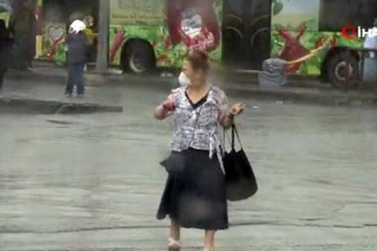 İstanbul'da sağanak yağış başladı