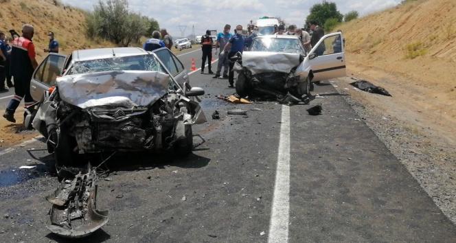 Nevşehirde feci kaza: 3 ölü, 3 yaralı