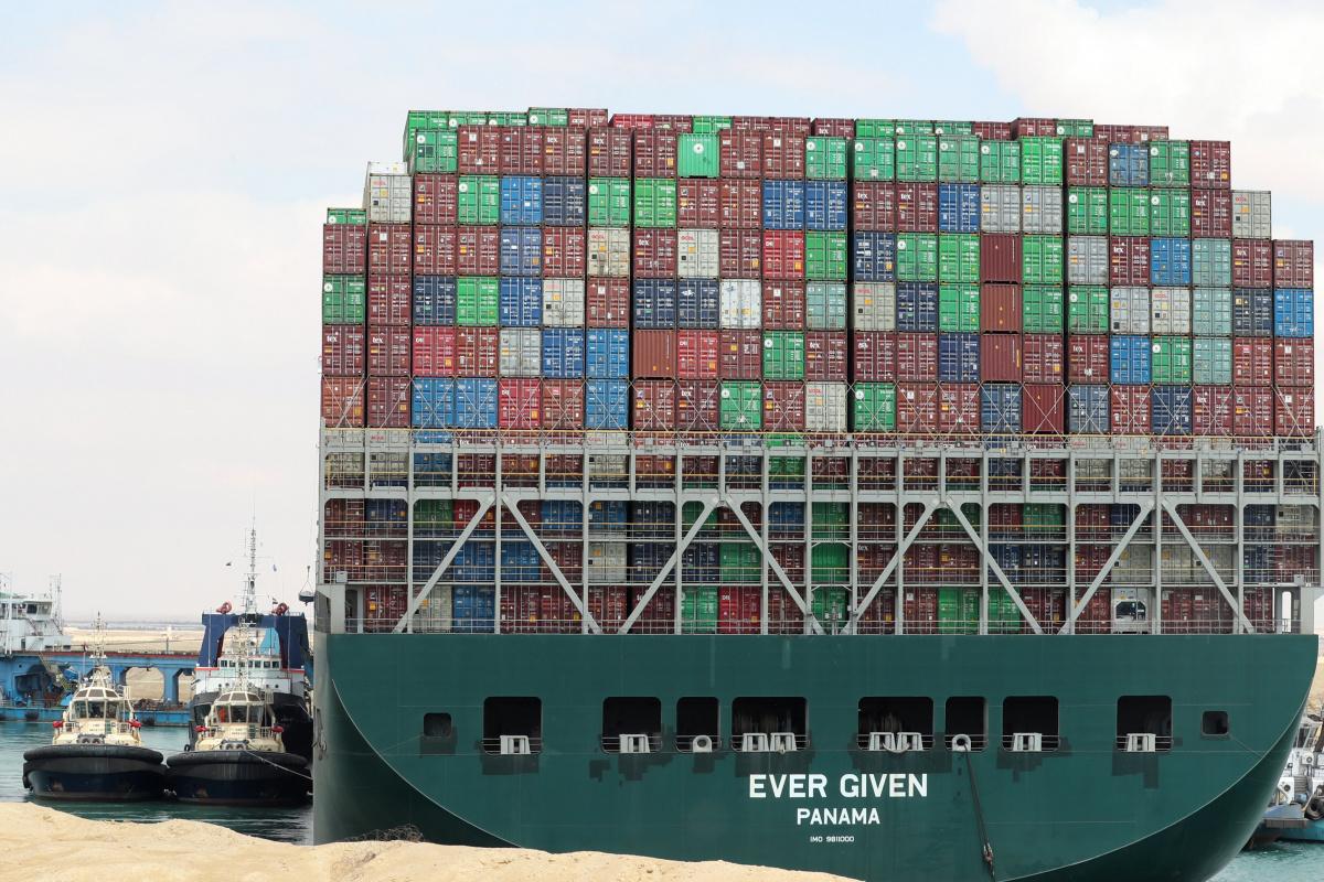 Mısır Süveyş Kanalı'nı kapatan geminin sahibi olan firma ile tazminat konusunda anlaştı