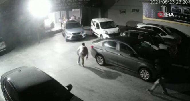 Sultangazide oto galeriye silahlı saldırı kamerada