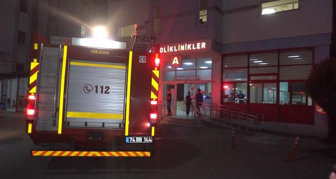 Hastanede yangın paniği yaşandı, 21 hasta farklı servislere tahliye edildi