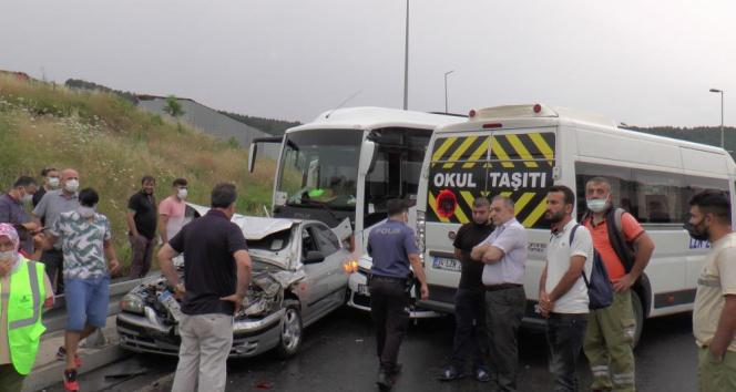 Maltepede 5 aracın karıştığı zincirleme trafik kazası: 2 yaralı
