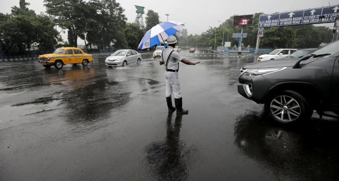 Hindistanda yıldırım düşmesi sonucu 28 kişi öldü