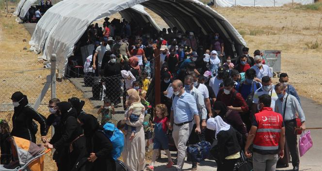 Kurban Bayramını ülkelerinde geçirmek isteyen 14 bin 950 Suriyeli ülkelerine gitti