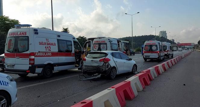 Kadıköyde alkollü sürücü dehşeti: Art arda 3 araca çarparak durabildi