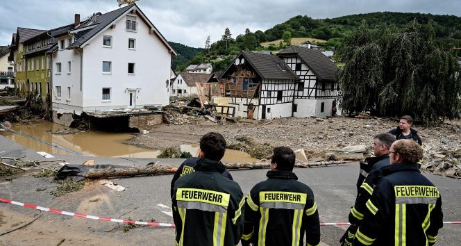 Almanyada facianın boyutu artıyor! Ölü sayısı yükseldi