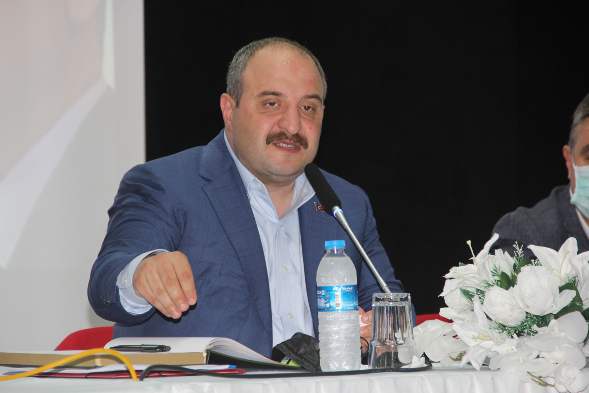 Bakan Varank: 'İnsansız hava araçlarını gemiye indirip kaldırabilen tek ülke olacağız'