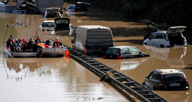 Almanyadaki sel felaketinde can kaybı 141e yükseldi