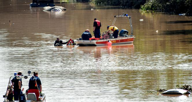 Almanyadaki sel felaketinde can kaybı 165e yükseldi