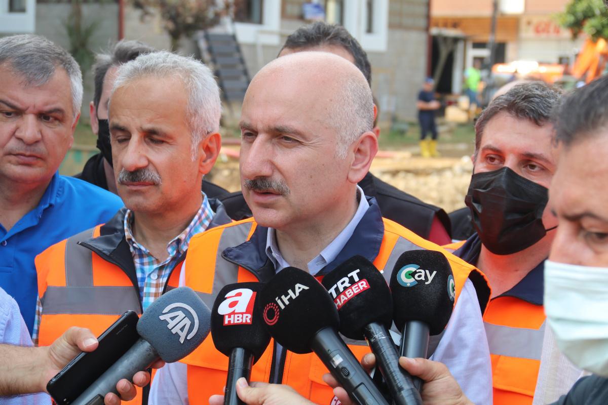 Bakan Adil Karaismailoğlu: 'Ortalığı önemli ölçüde topladık; Acil ihtiyaçları giderdik'