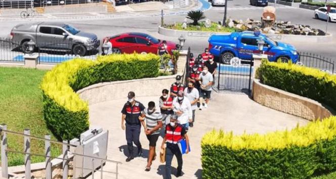 Yunanistana kaçmaya çalışırken yakalanan iki FETÖ üyesi tutuklandı