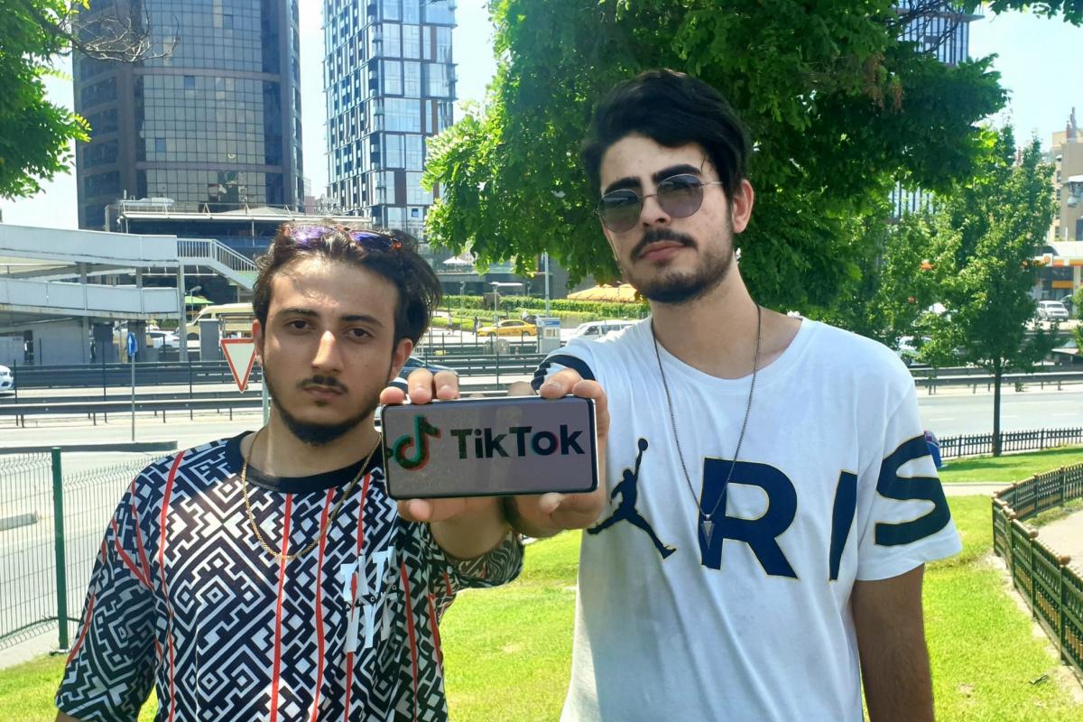 Lise öğrencileri Tiktok'un sınırsız jeton açığını buldu