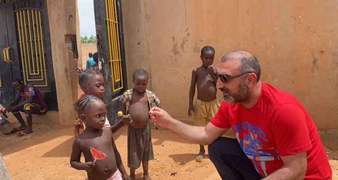 Fakirliğin pençesindeki Nijerde çocukların yüzü Türkiye ile gülecek