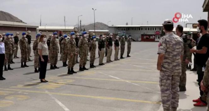 Afganistandaki Türk askeri bayrama görev başında girdi