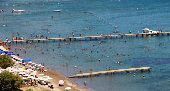 Karadan, denizden ve havadan Bodruma turist yağdı