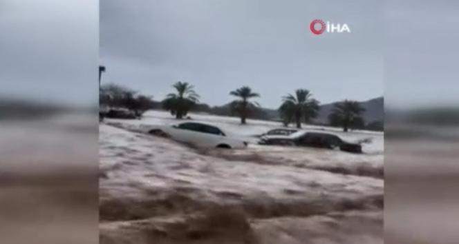 Suudi Arabistanın Necran eyaleti sel sularına teslim oldu