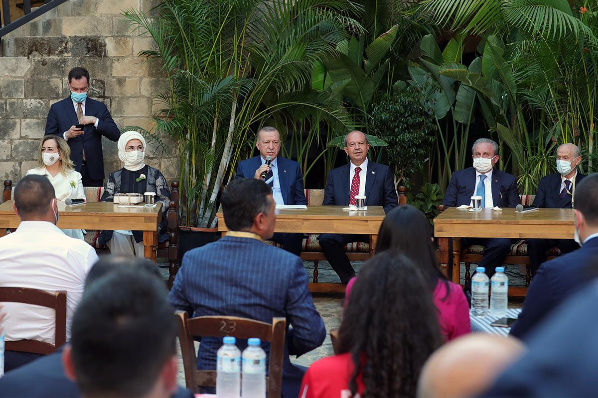 Cumhurbaşkanı Erdoğan KKTC'li gençlerle buluştu