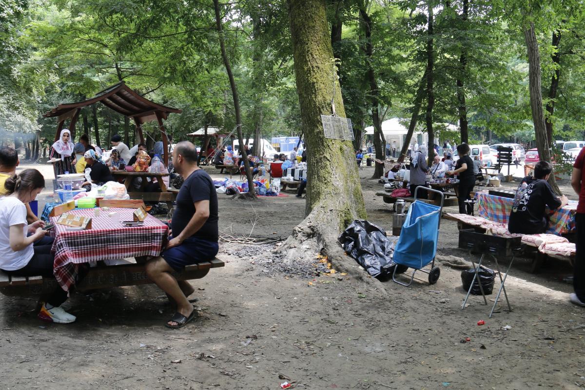 Kurban Bayramı'nın ikinci gününde vatandaşlar Belgrad Ormanı akın etti
