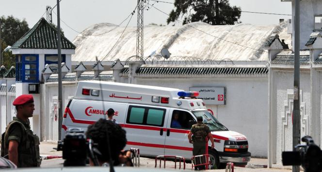 Tunusta ordu Covid-19 salgını yönetimini devralacak