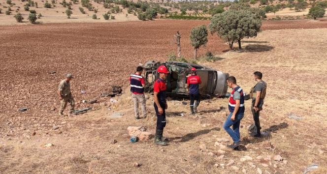 Mardinde otomobil takla attı: 2 asker hayatını kaybetti