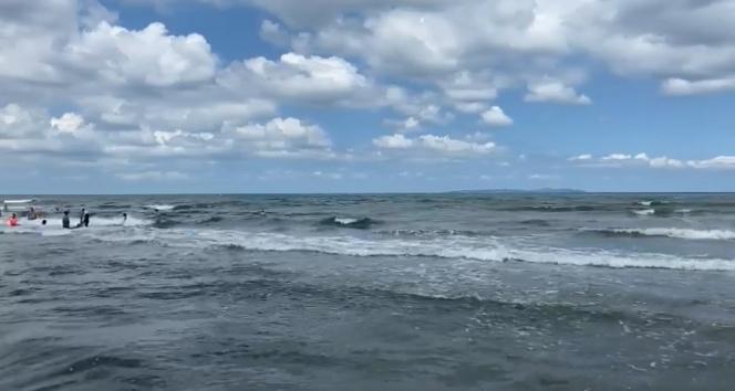 Şile Kaymakamlığı: Denizde kaybolan 3 kişiyi arama çalışmaları sürüyor
