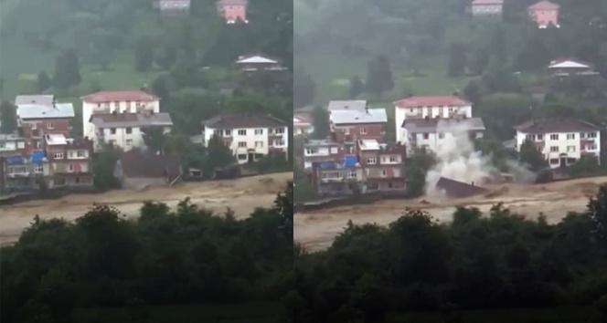 Artvinin Arhavi ilçesinde dere kenarındaki ev sel sularına kapıldı