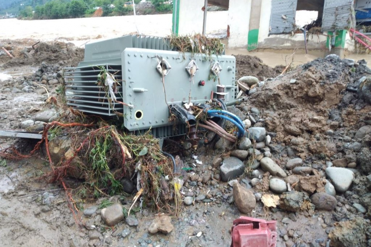 Enerji Bakanlığı: 'Artvin ve Rize'de 56 trafo hasar nedeniyle, 67 trafo can ve mal güvenliği için devreden çıkarıldı'
