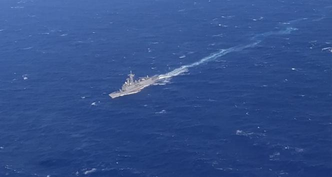 Kaşın 161 mil güneybatısında batan teknedeki 37 göçmen kurtarıldı