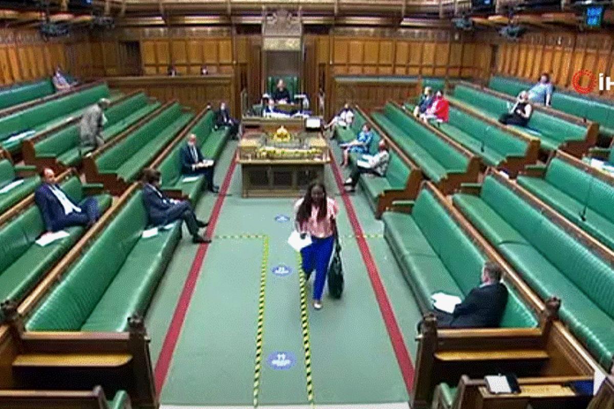 Johnson'ı 'yalancılıkla' suçlayan milletvekili parlamentodan kovuldu