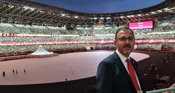 Bakan Kasapoğlu, Tokyo Olimpiyatlarının açılışına katıldı