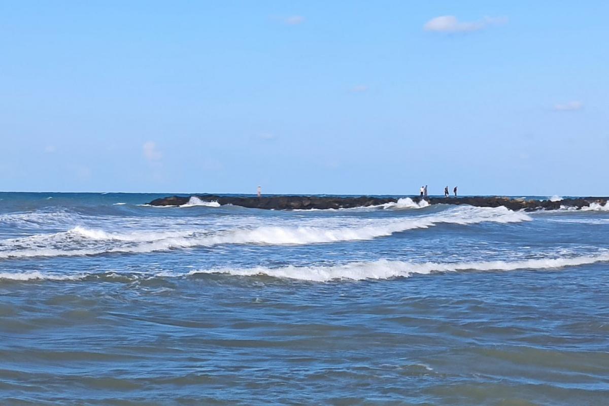 Samsun'da denizde kaybolan bir kişiyi arama çalışmaları sürüyor