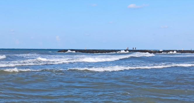 Samsunda denizde kaybolan bir kişiyi arama çalışmaları sürüyor