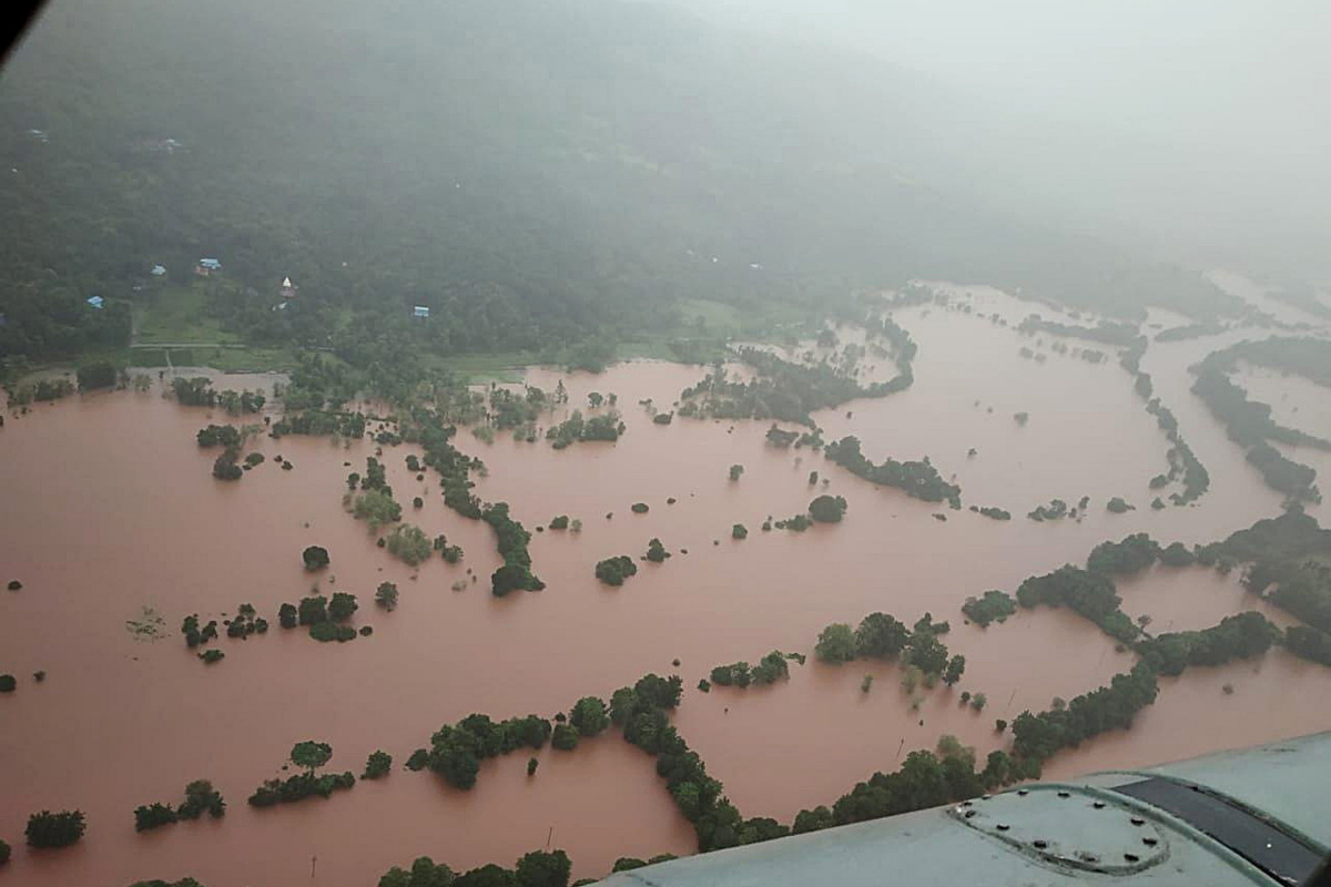 Hindistan'daki sel ve heyelan felaketinde can kaybı 47'ye yükseldi
