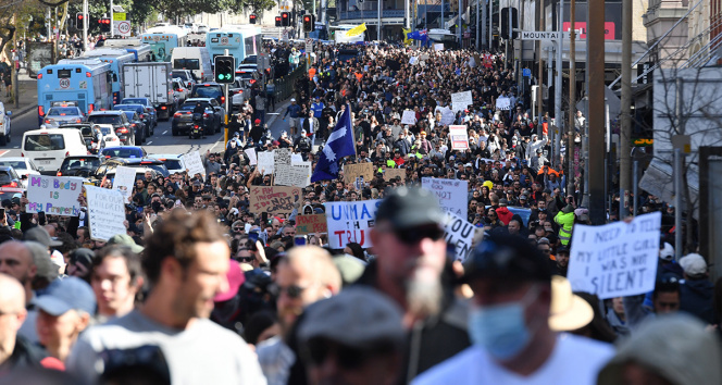 Avustralyada karantina önlemleri protestoların fitilini ateşledi
