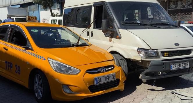 Şişlide yol verme kavgasında kan aktı: Taksici tartıştığı sürücüyü bacağından vurdu