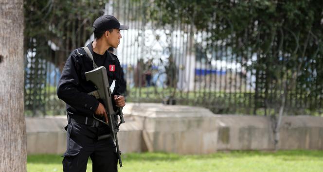 Tunusta Başbakan görevden alındı, meclisin yetkileri donduruldu, halk kutlama yaptı