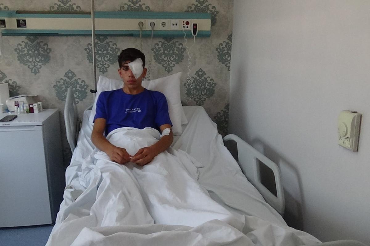 Diyarbakır'da rastgele atılan maytap, 17 yaşındaki genci sol gözünden etti